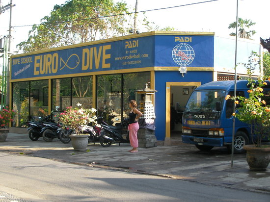 Euro Dive Bali: The club from the street
