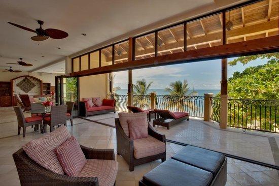 Villa Verano Seagrape Suite