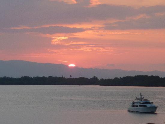 Golfito Marina Vista Villas: Anothe beautiful sunset