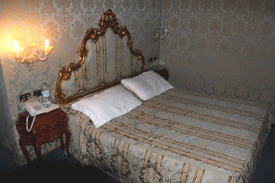 Al Ponte Antico Hotel: Room #103