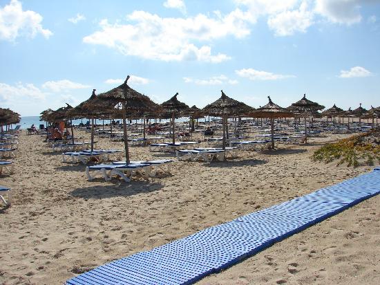 Vincci Helios Beach: Beach
