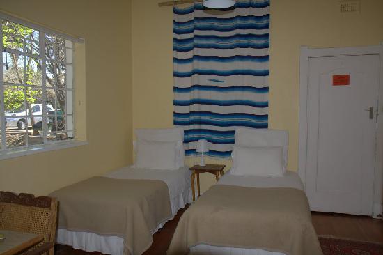 Sunbury Place: Room