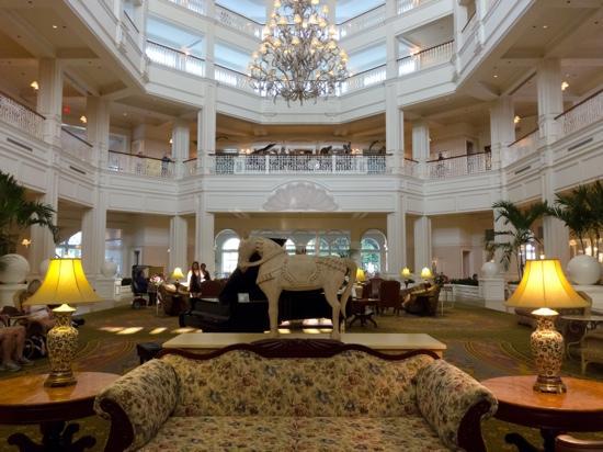 La piscine picture of disney 39 s grand floridian resort for Above all grand salon
