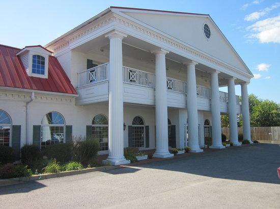 Claudia Sanders Dinner House Shelbyville Restaurant