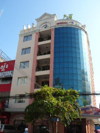 Pacific Hotel Phnom Penh: Hotel - Eingang