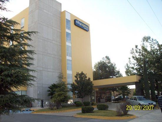 City Express Saltillo Norte