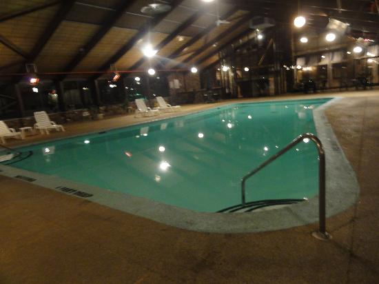 Trip Hotel Ithaca: Indoor Pool