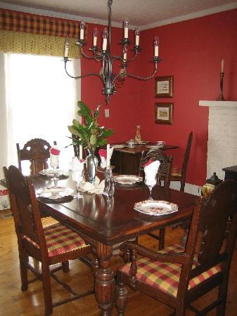 Moore Farm House B&B: Dining Room