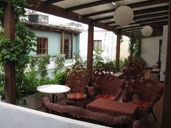 Hostal El Patio: A seating area