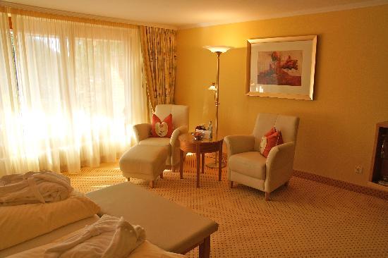 Erfurths Bergfried Ferien & Wellnesshotel: Himmelreich room--seating area