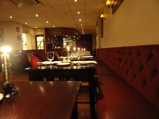 Santorini Restaurant : Lovely dining room