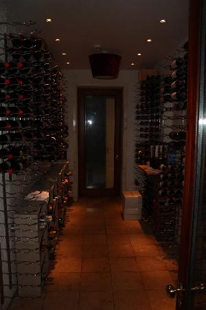 Dunbrody Country House Hotel: Wine Cellar in the main bar