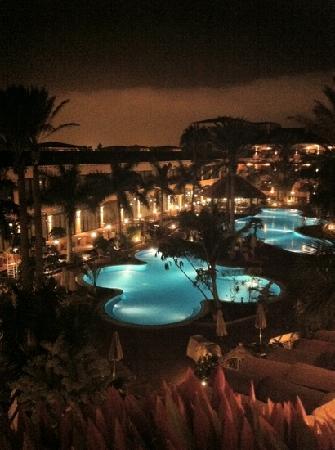 Gran Hotel Atlantis Bahia Real: notturno