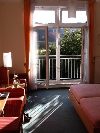 Hotel Zum Maerchenwald: ochtendzon