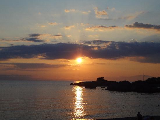 The Hotel Stoupa : Beautiful sunsets