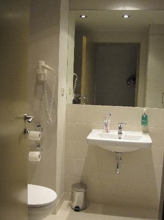 Jurys Inn Hotel Prague: Il bagno