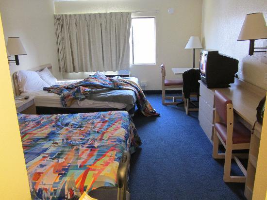 Motel 6 San Simeon: Zimmer