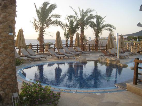 Xperience Sea Breeze Resort: Spa pool
