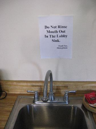 Motel 6 Los Alamos NM: Sign in the breakfast room: Yuck!