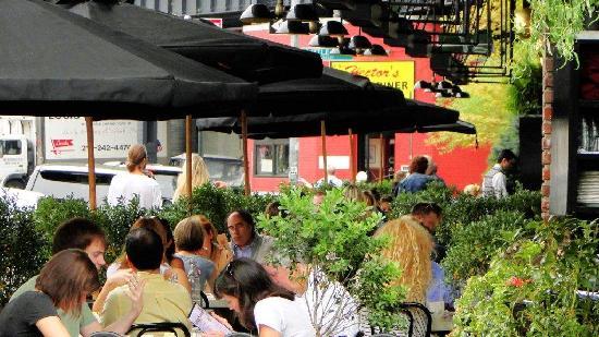 The Standard, High Line: Grill y restaurant en planta baja