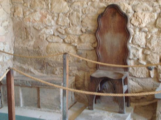 The Palace of Knossos: Throne Room