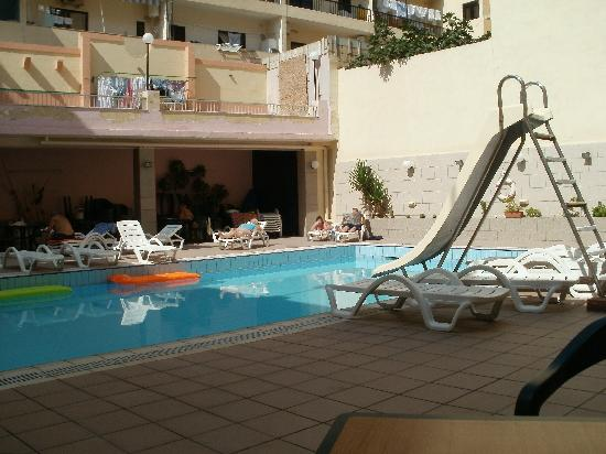 Euroclub Hotel: Outdoor pool