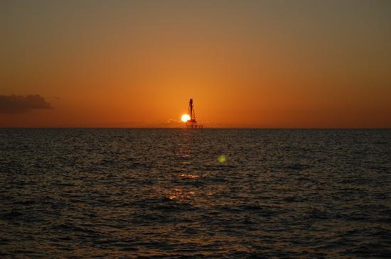 Blackfin Resort and Marina: Sunset at Sombrero Reef Light House