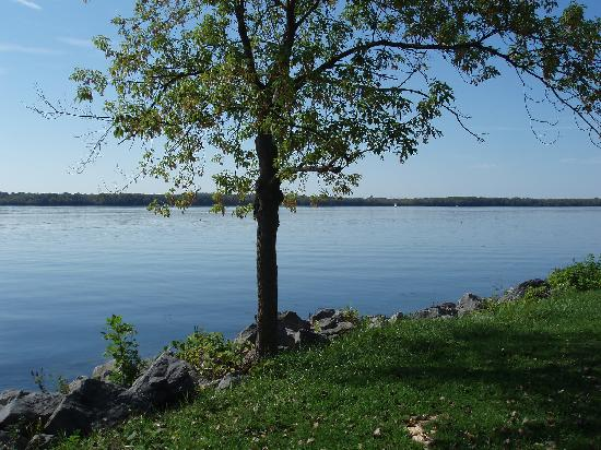 Candlewood Suites Syracuse Airport: Onondaga Lake - nice to visit -10 min from hotel