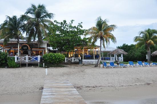 Chenay Bay Beach Resort Bar And Restaurant