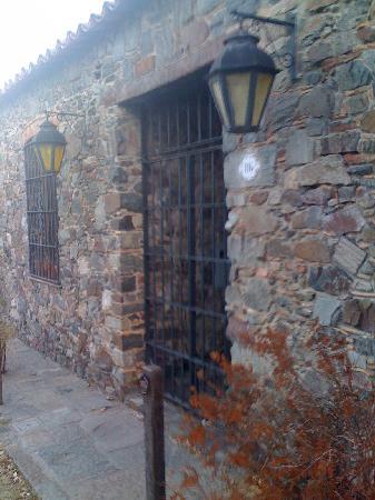Colonia del Sacramento, Uruguay: Los faroles otra presencia infantable en la ciudad