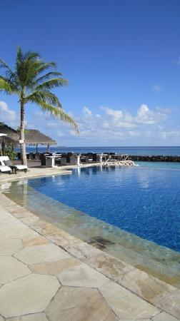 Vivanta by Taj Coral Reef Maldives: The pool