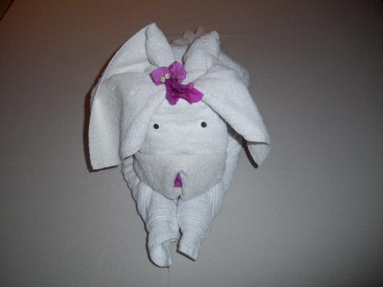 Febri's Hotel & Spa: Cute towel animal