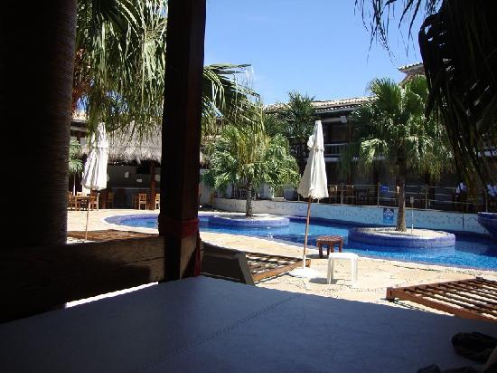 Perola Buzios Hotel: piscina de manha