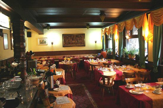 Hotel-Restaurant Kranenturm: Dining room