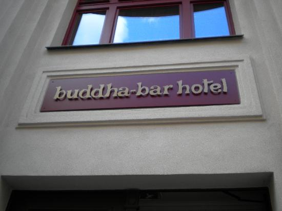 Buddha-Bar Hotel Prague : front entrance