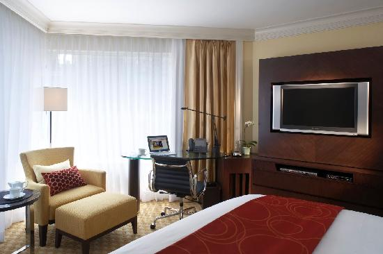 ‪جاي دبليو ماريوت هوتل هونج كونج: Deluxe room with King sized bed - JW Marriott Hotel Hong Kong‬