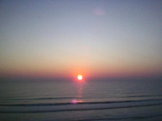 Emerald Shores Hotel: one of my million sunrise pictures,