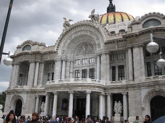 Condesa Haus: Palacio de Bellas Artes
