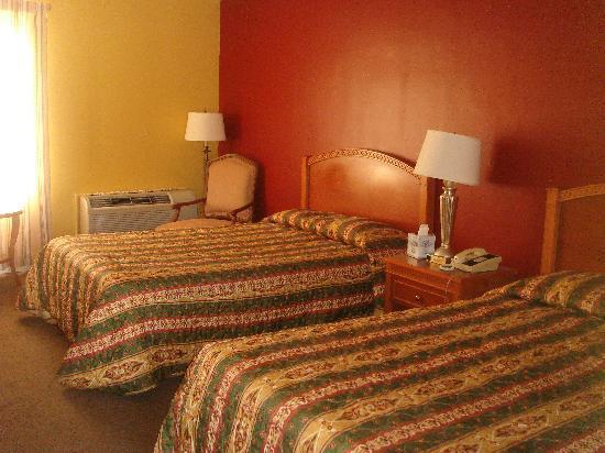 Rodeway Inn: 2 bedroom