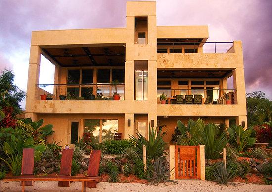 Casa Melray's stunning beach front.