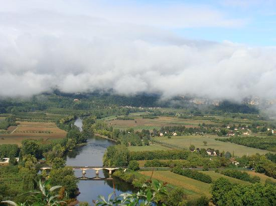 La Cachette : view of valley from Domme (10 min away)