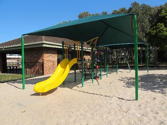 Dicky Beach Family Holiday Park: childrens' play area