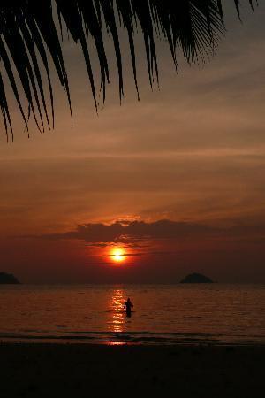 K.B. Resort: Bathing in the sunset