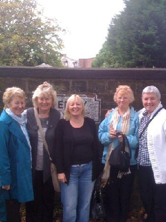 Fab Cabs of Liverpool Tours : another happy tour