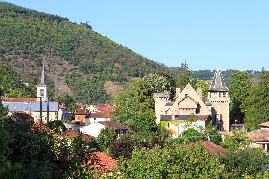 Viviez, Francia: Le château et le village