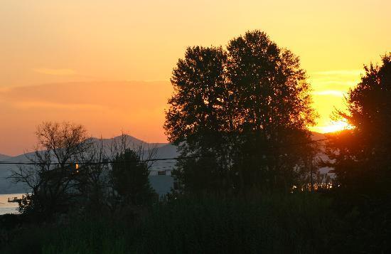 O Xenonas ton Mylon: Sunset