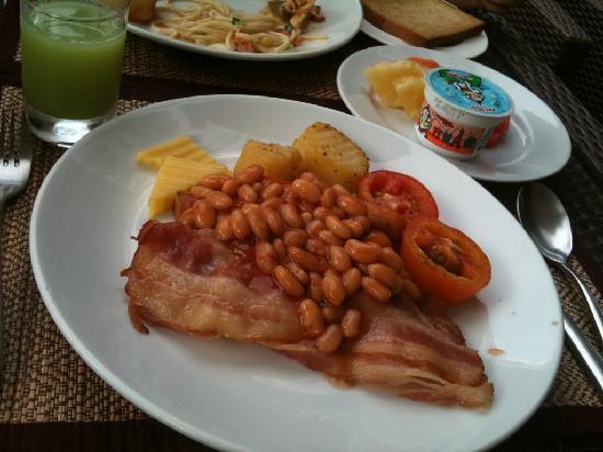 อเดลฟี่สวีท กรุงเทพ: 朝食はバイキング