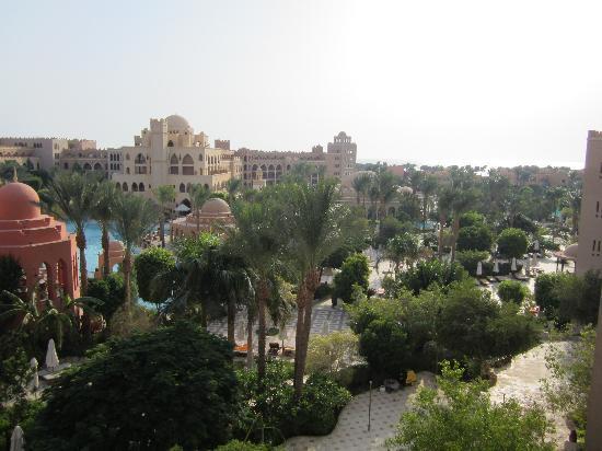 โรงแรมมาคาดี พาเลส: Wonderful sun gardens