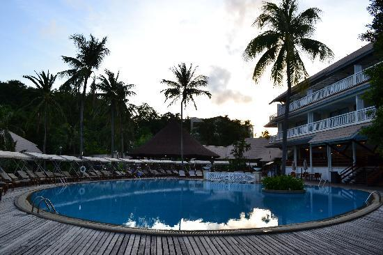 Cape Panwa Hotel: The pool area