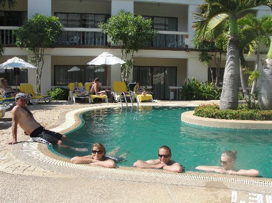 Centara Kata Resort Phuket : pool